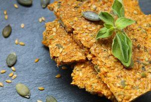 Crackers de tomate deshidratado y semillas